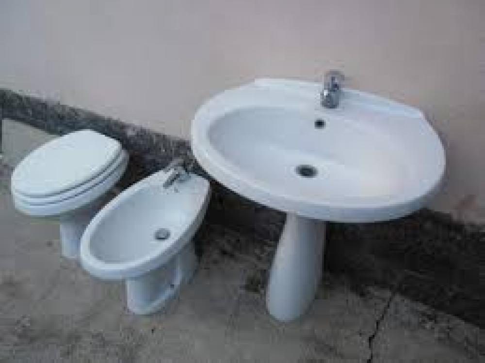 wc bidet lavabo piatto doccia scontatissimi. Black Bedroom Furniture Sets. Home Design Ideas